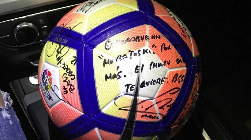 El balón que Morata se llevó a su casa de recuerdo en Butarque.