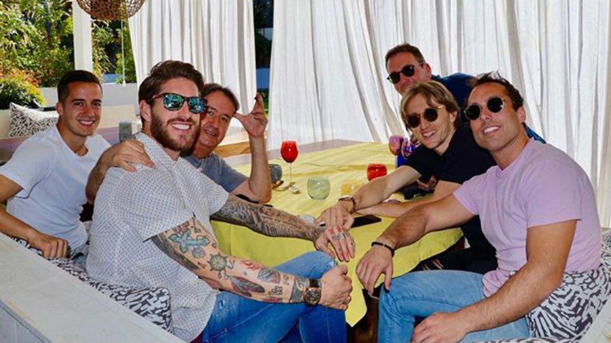 Sergio Ramos, de comida con Modric y Lucas Vázquez.