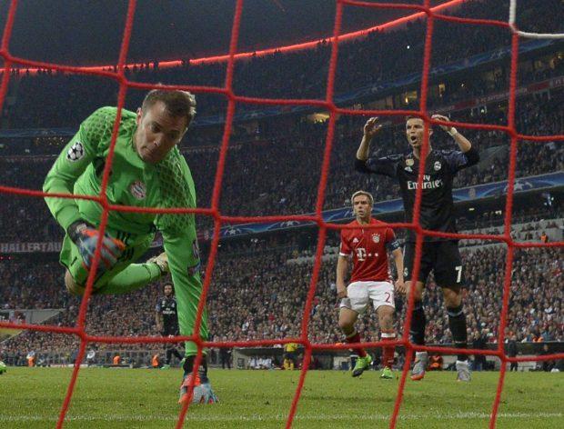 Neuer dio una exhibición ante el Real Madrid. (AFP)