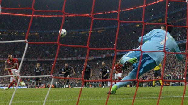 vidal-penalti-bayern-munich-real-madrid-champions