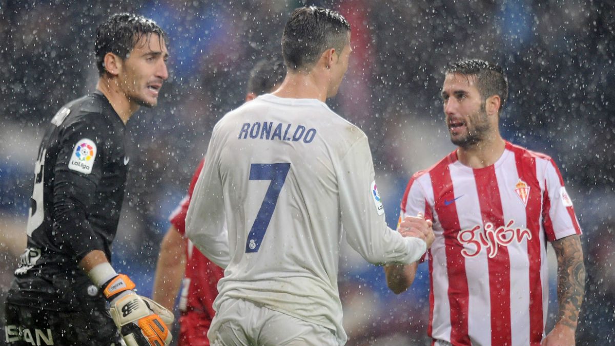 Cristiano saluda a Lillo después del partido de la primera vuelta. (Getty)