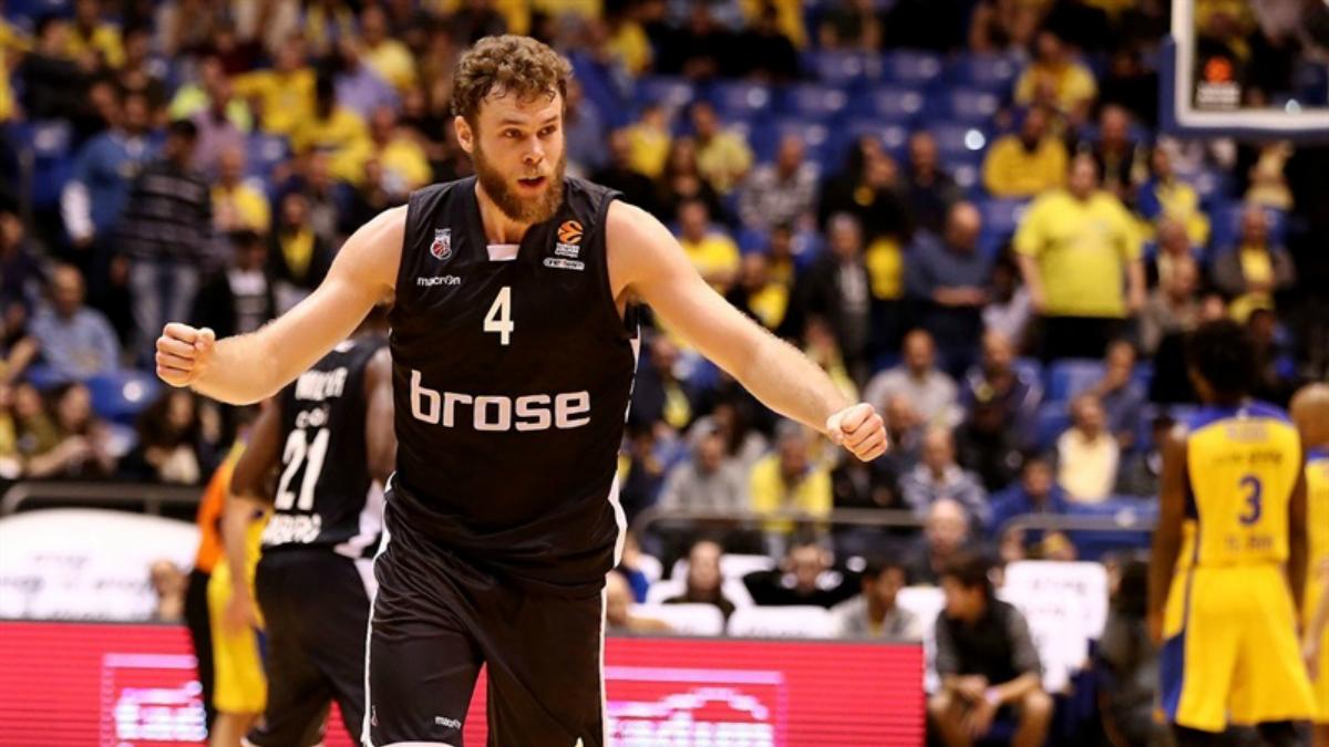 Melli, en un partido con Brose Baskets. (Euroleague)