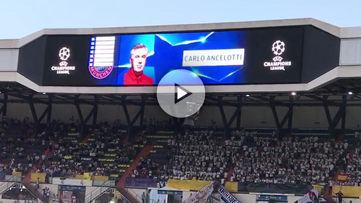 Recibimiento del Bernabéu a Ancelotti.