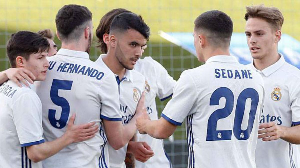El Juvenil A celebra el gol definitivo ante el Ajax en cuartos. (Realmadrid.com)