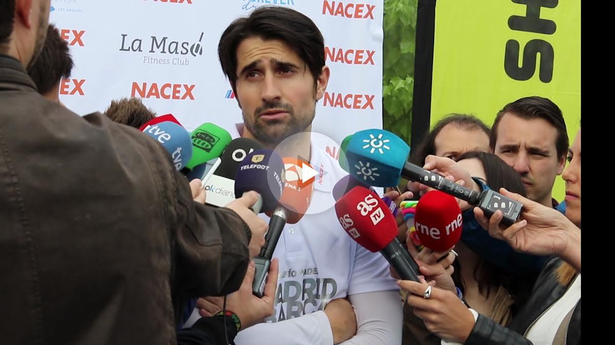 Rubén de la Red atiende a los medios. (Foto: Juanma Yela)