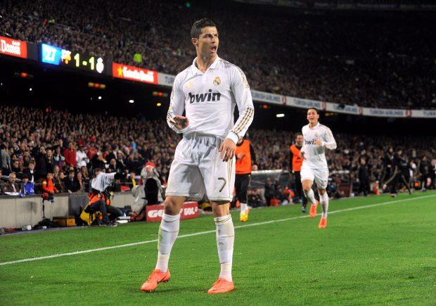 Cristiano rinde más que Messi en los Clásicos. (AFP)