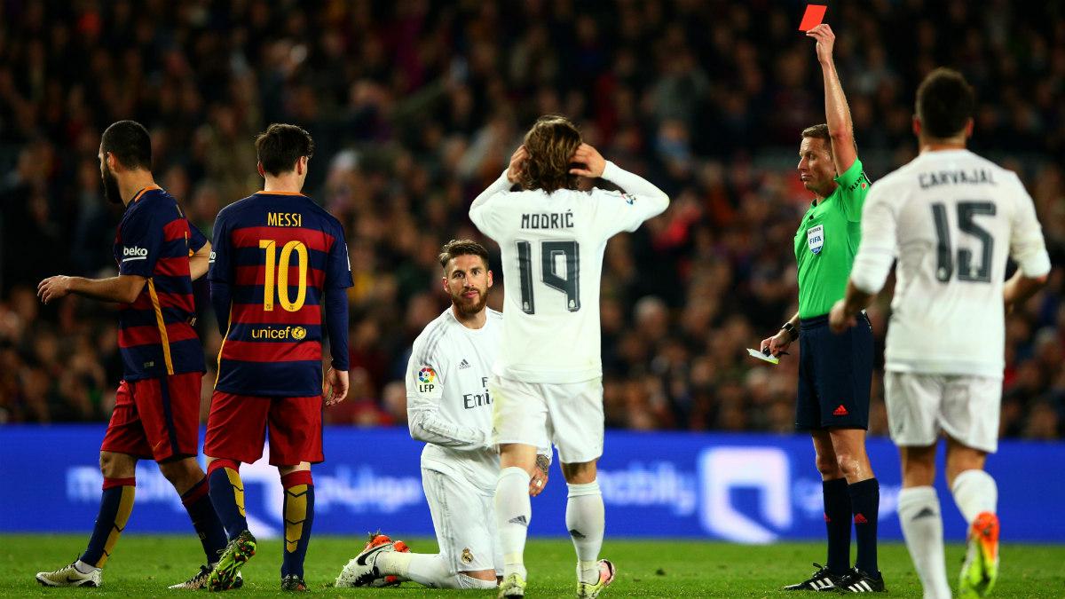 Sergio Ramos, el último expulsado en un Clásico. (AFP)