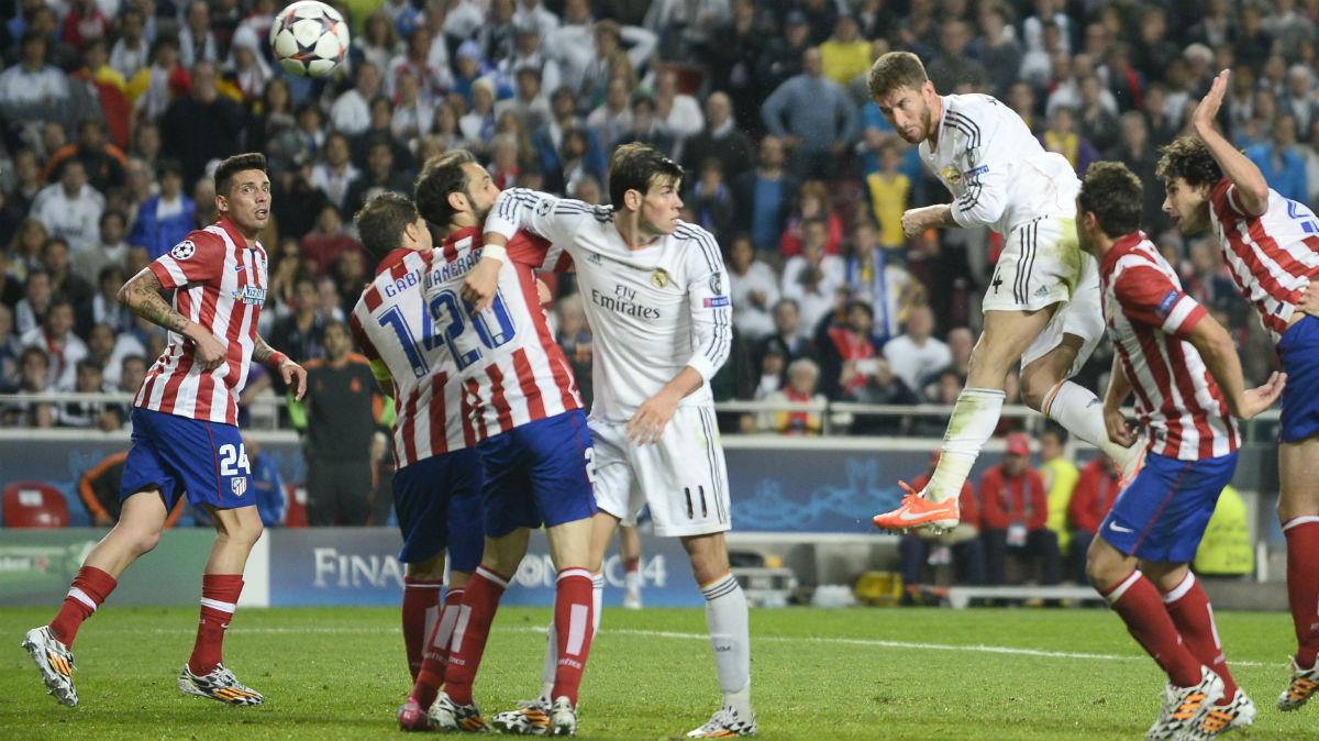 Sergio Ramos logra el empate ante el Atlético en la final de la Décima. (AFP)