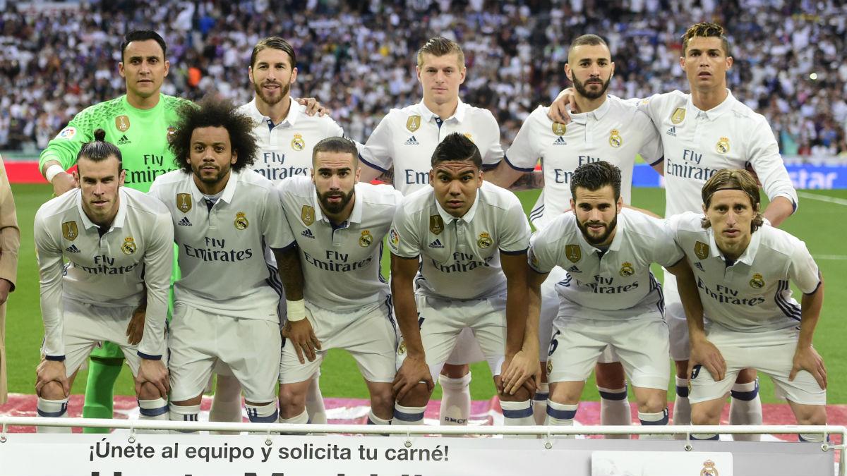 La alineación del Real Madrid en el Clásico. (AFP)