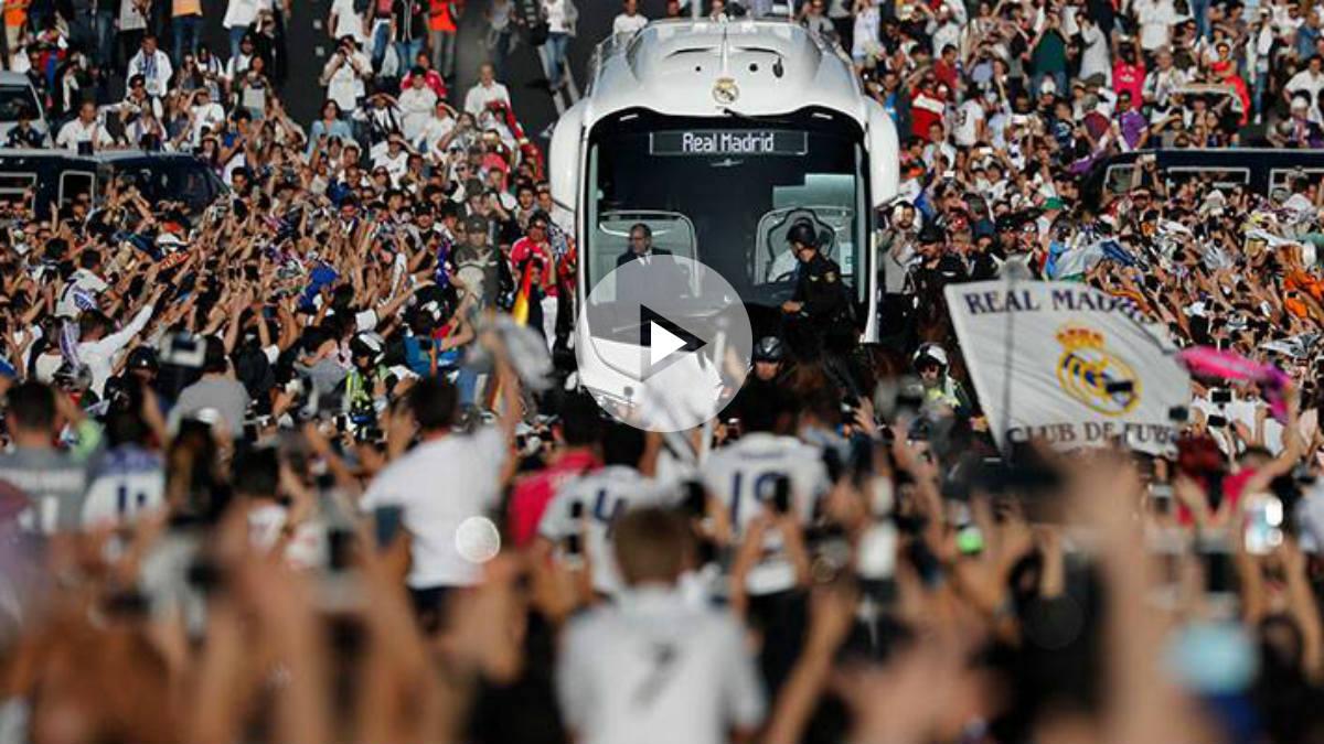 Recibimiento al autobús del Real Madrid.