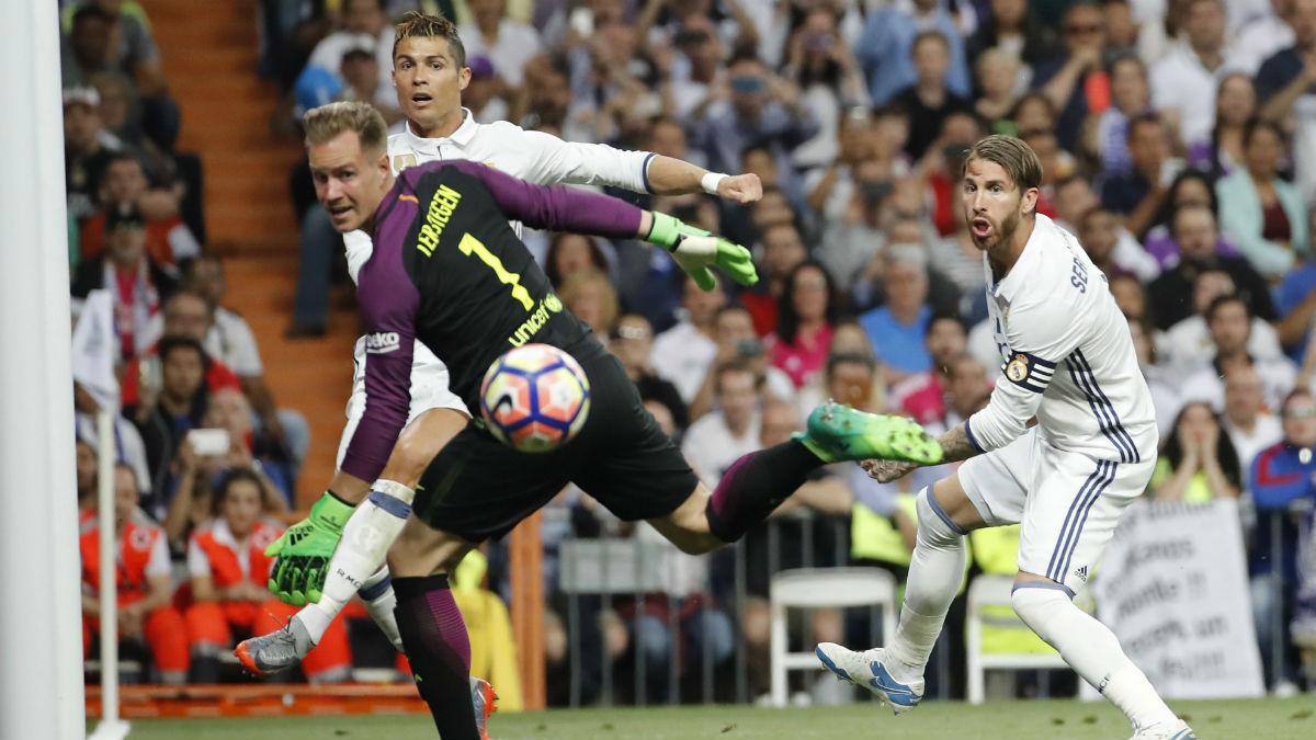 Ter Stegen brilló en el Bernabéu. (EFE)