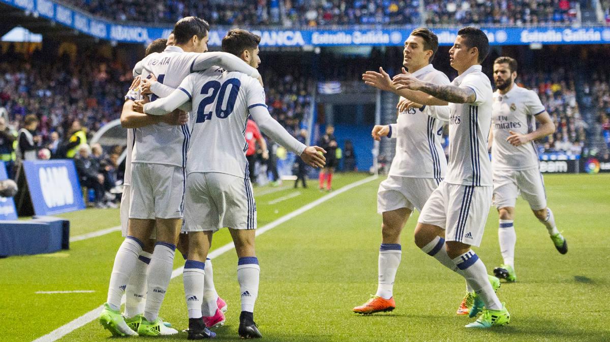 Los jugadores del Real Madrid celebran el 0-1. (Getty)