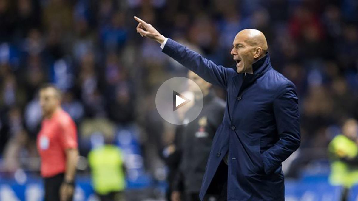 Zidane da instrucciones en Riazor. (Getty)