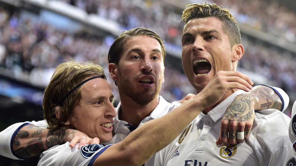 Cristiano, Ramos y Modric celebran el gol del portugués (AFP).