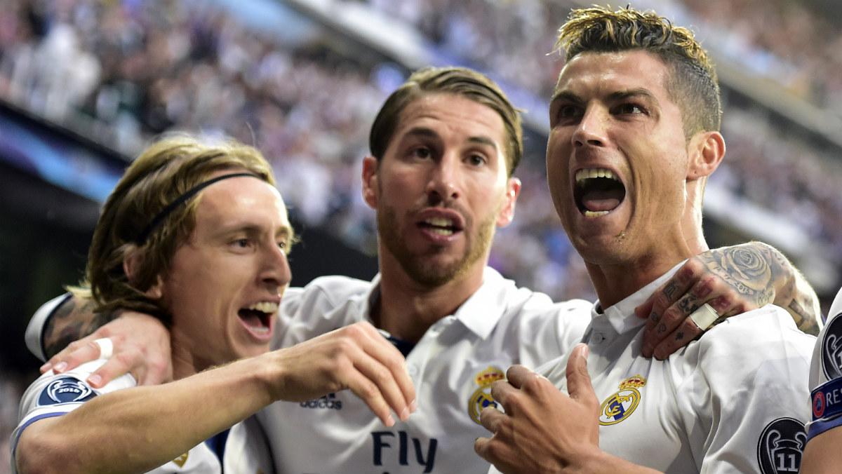 Ronaldo, Ramos y Modric celebran un gol ante el Atlético. (Getty)