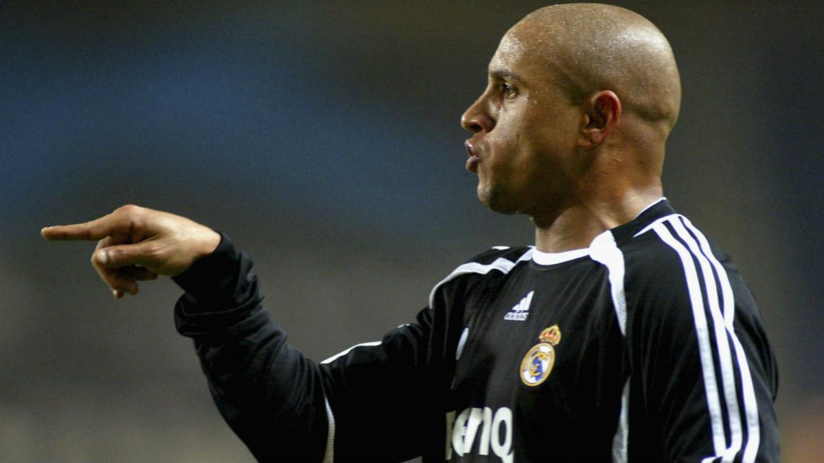 Roberto Carlos, en un partido con el Real Madrid. (Getty)