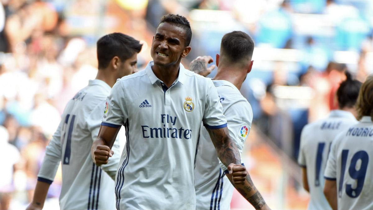 Danilo celebra un gol del Real Madrid en el Bernabéu (AFP).