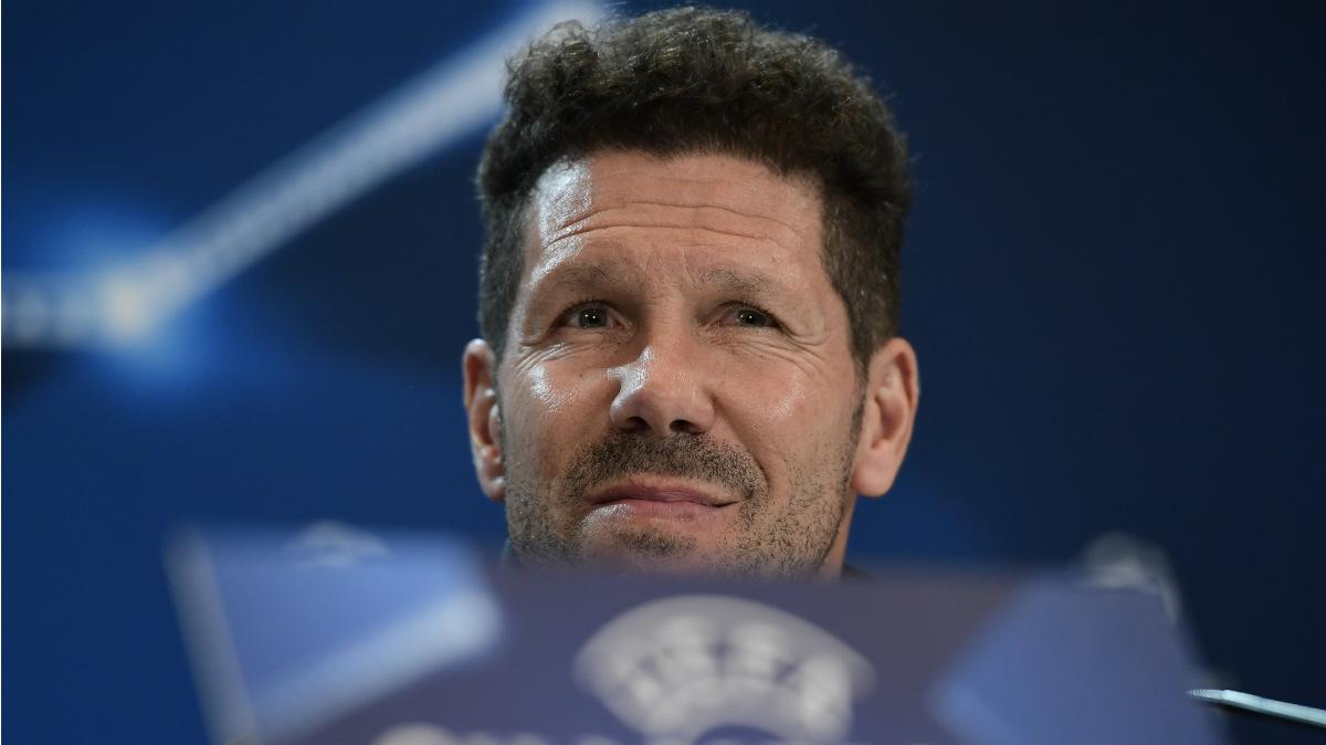 Simeone, en la rueda de prensa previa a la vuelta contra el Madrid. (AFP)