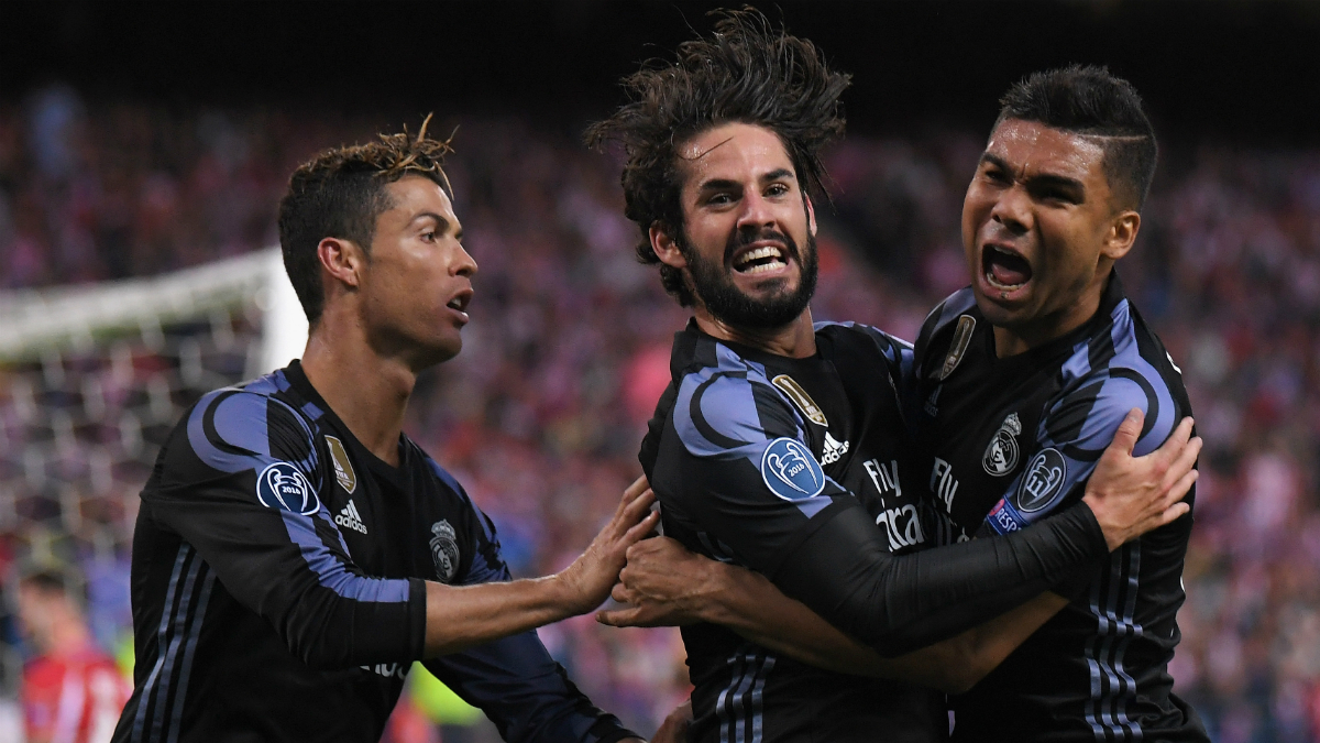 Casemiro celebra con Isco y Cristiano el gol del Madrid (Getty).