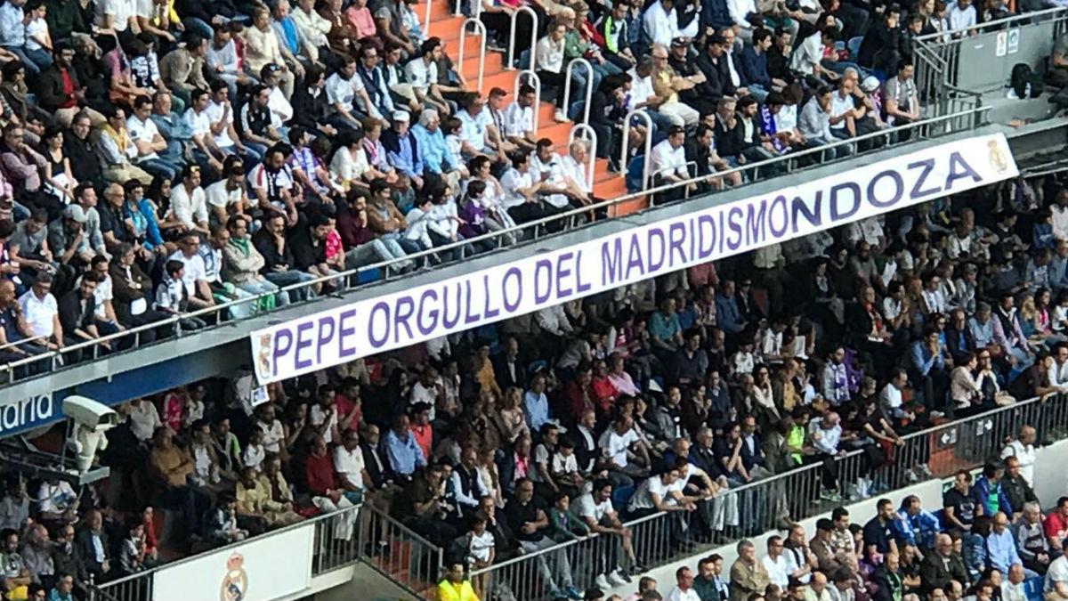 Pancarta mostrada en el Bernabéu en homenaje a Pepe.