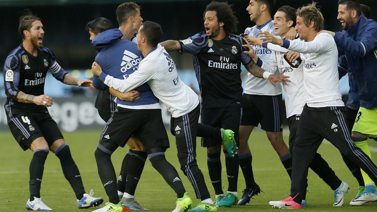 Los jugadores del Real Madrid celebran el 0-1. (EFE)