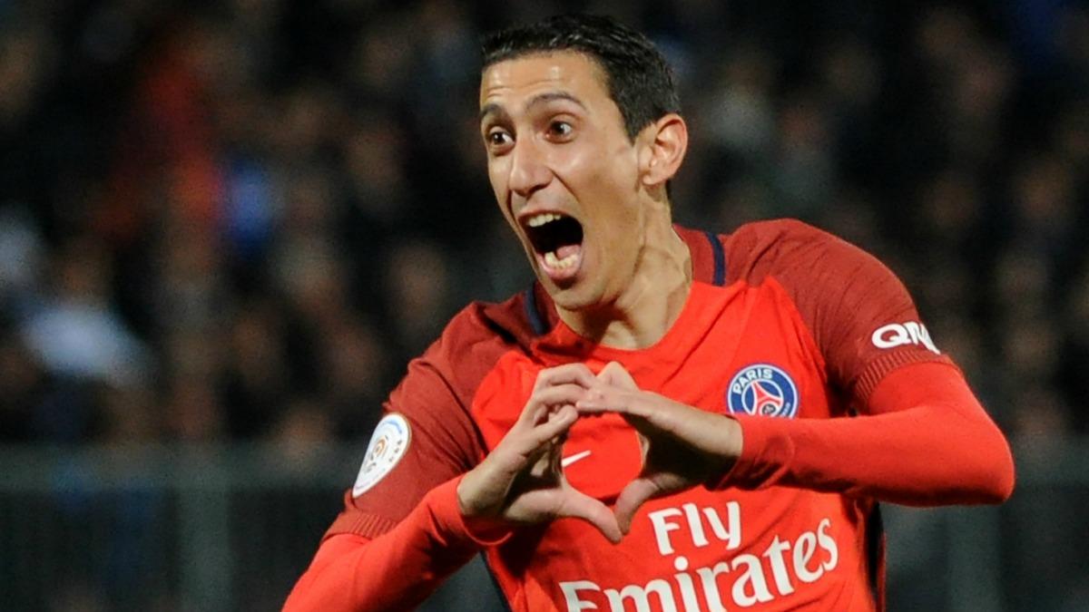 Di María celebra un gol con el PSG y su famoso corazón. (AFP)