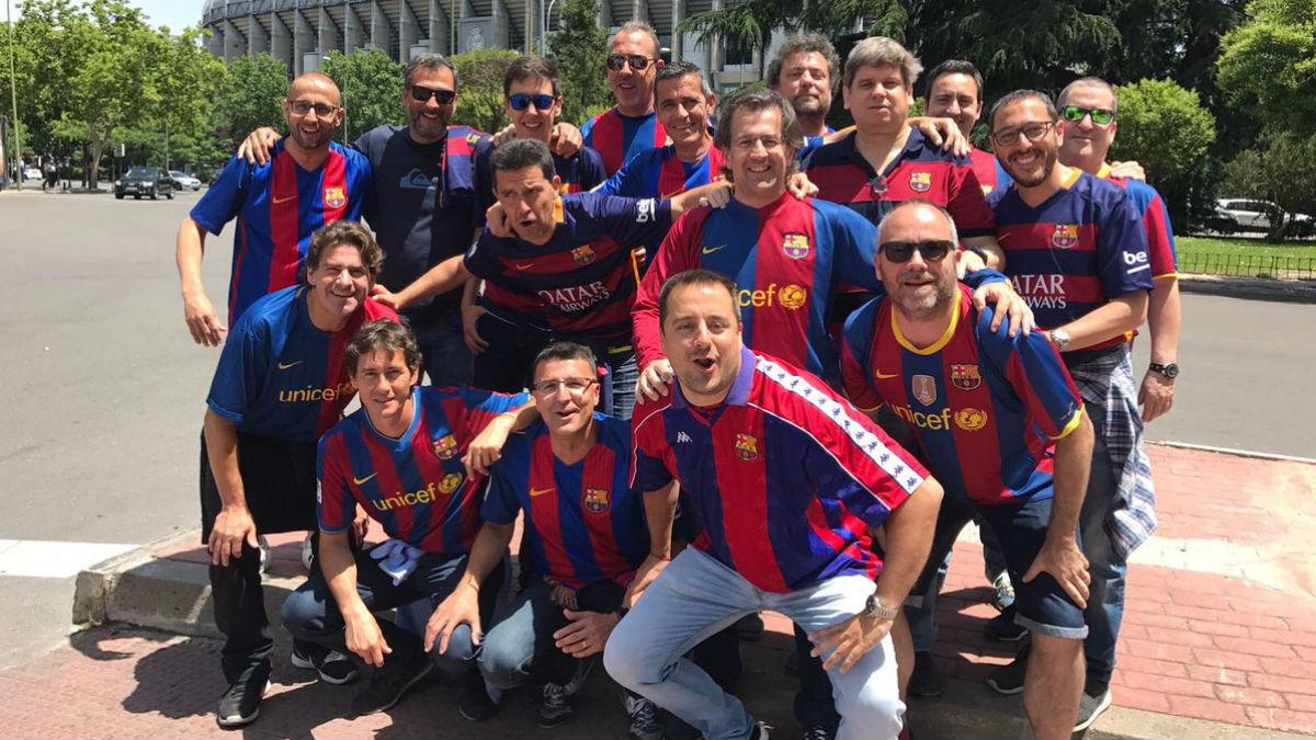 Toni Freixa y sus amigos acuden al Bernabéu antes de la final de Copa. (Twitter)