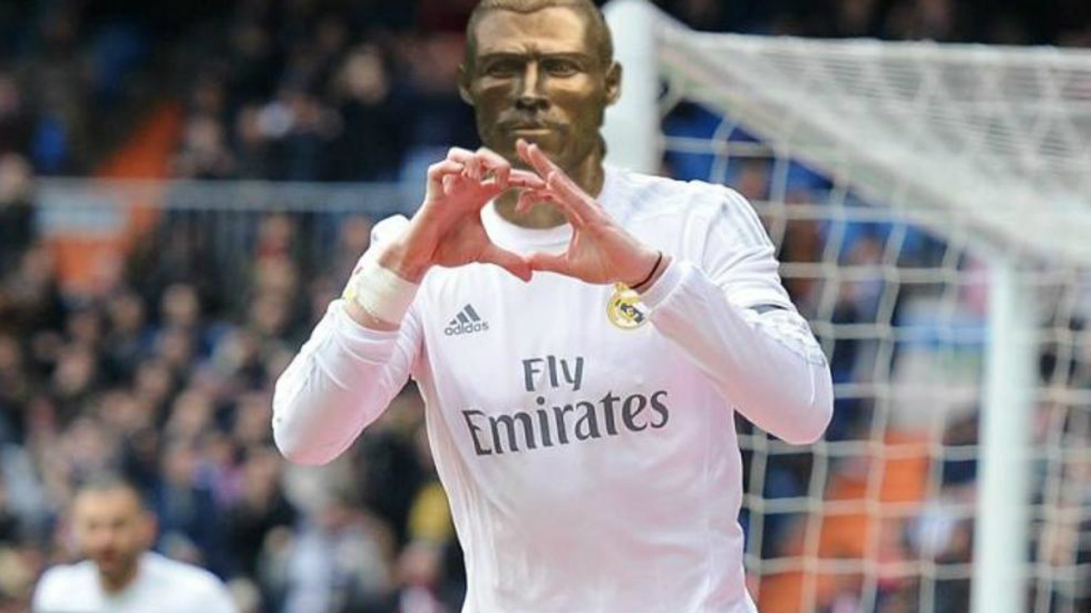 El busto de Gareth Bale celebra un gol con el Real Madrid.