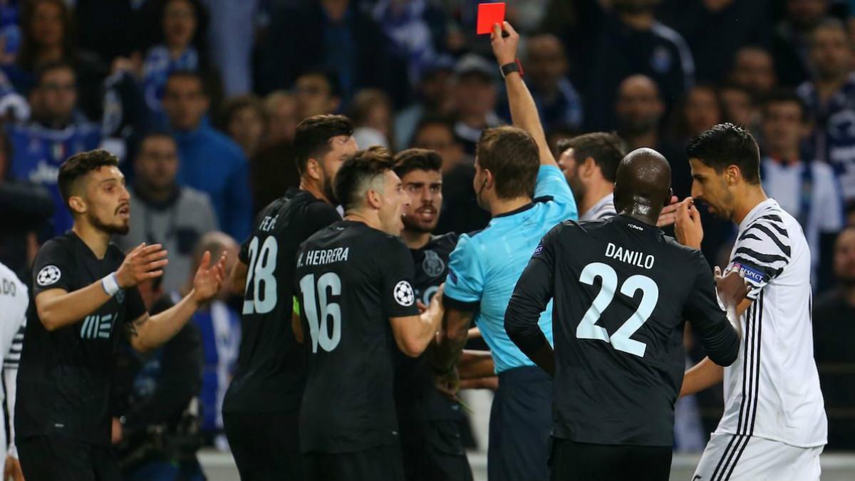 Felix Brych le hizo un favor a la Juventus en los octavos de final de la presente Champions.