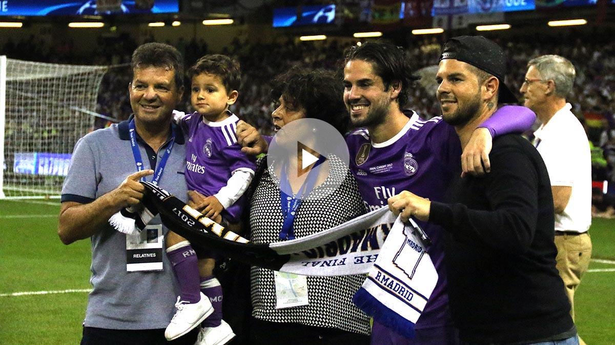 Isco celebra La Duodécima junto a su familia.