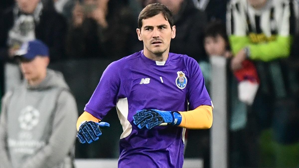 Casillas en un calentamiento del Oporto. (AFP)