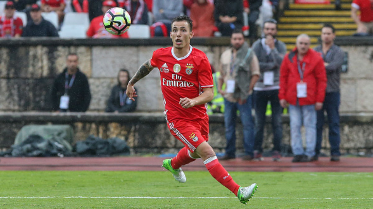 Grimaldo en un partido del Benfica esta temporada (Getty).