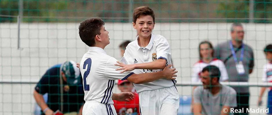 El Alevín A celebra un gol durante la celebración de la La Liga Promises. (Realmadrid.com)