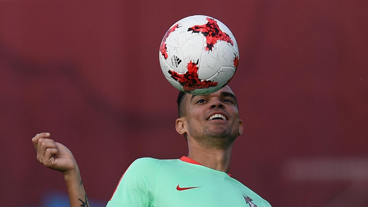 Pepe entrenándose en Rusia con la selección portuguesa (AFP).