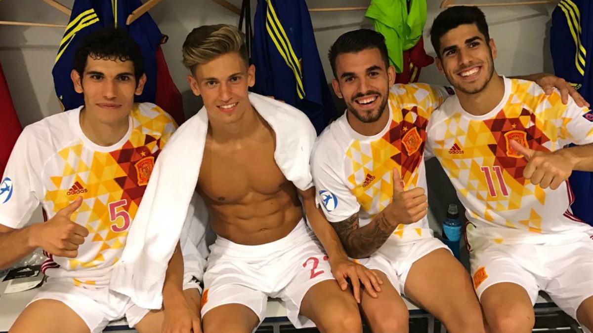 Vallejo, Marcos Llorente, Ceballos y Asensio, después de un partido de la sub-21. (Twitter)