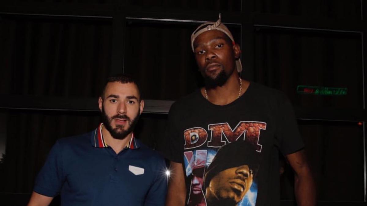 Karim Benzema y Kevin Durant posan juntos durante las vacaciones del francés en Nueva York (Instagram).