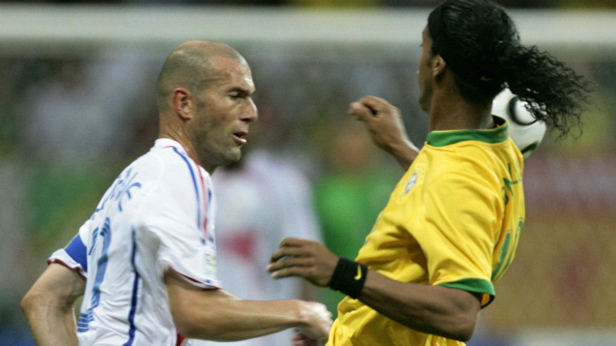 Zidane y Ronaldinho durante el Francia-Brasil del Mundial 2006. (AFP)