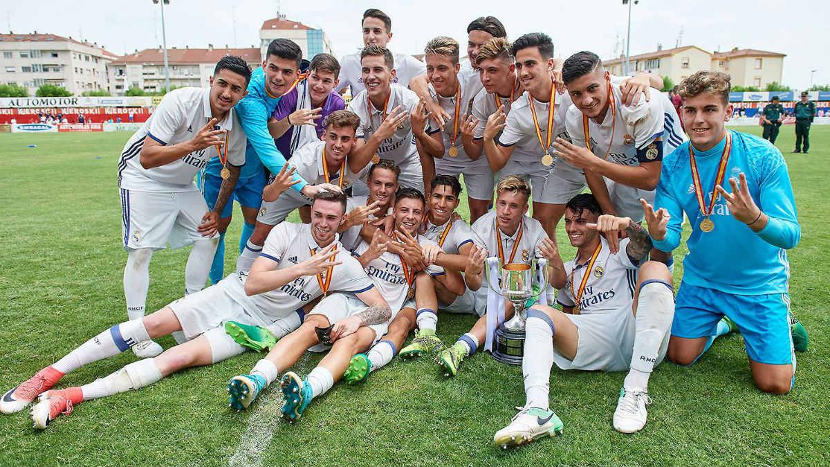 El Juvenil celebra la Copa del Rey. (realmadrid.com)