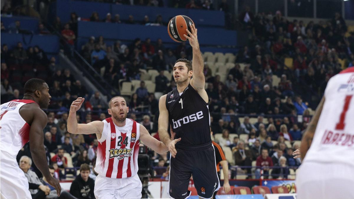 Fabien Causeur durante un partido con el Brose Basket en Euroliga. (Getty)