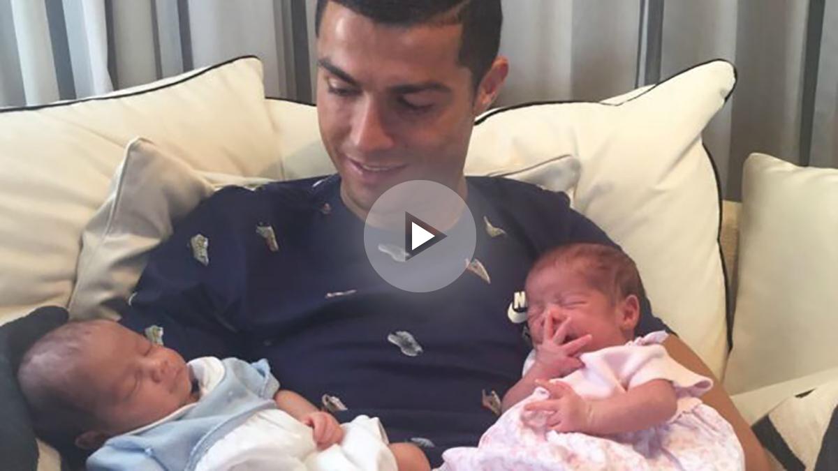 Cristiano Ronaldo, junto a sus hijos.