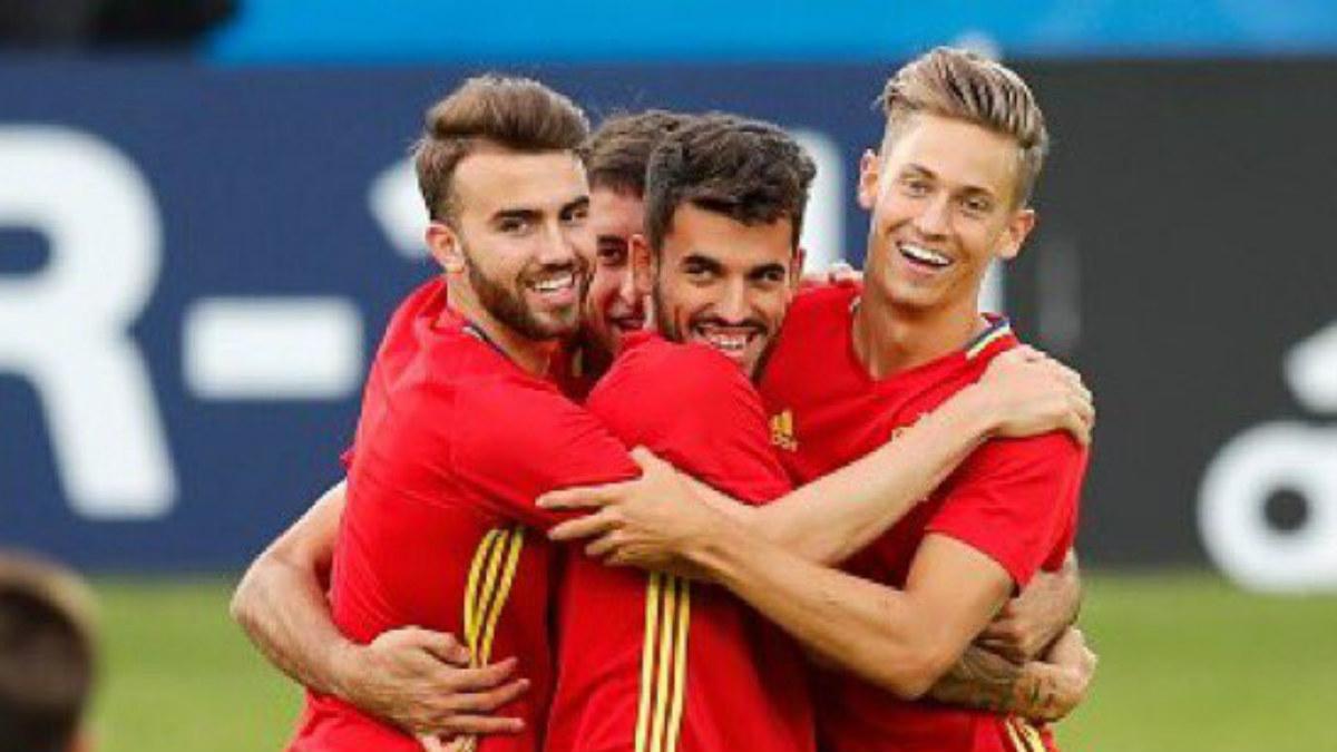 Borja Mayoral, Dani Ceballos y Marcos Llorente con la sub-21. (Twitter)