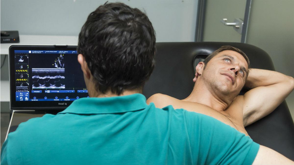 Joaquín Sánchez durante el reconocimiento médico del Betis. (EFE)