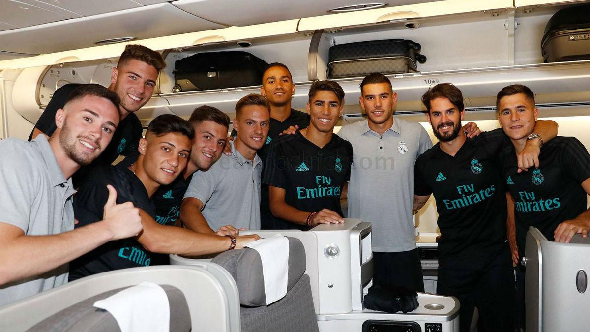 Danilo, Isco y Theo, con el grueso de canteranos que viaja a Los Ángeles (Realmadrid.com).