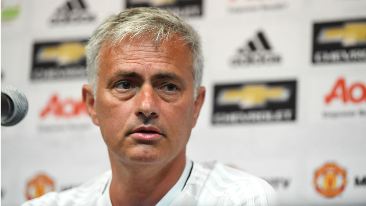José Mourinho habla en rueda de prensa con el Manchester Untied. (AFP)