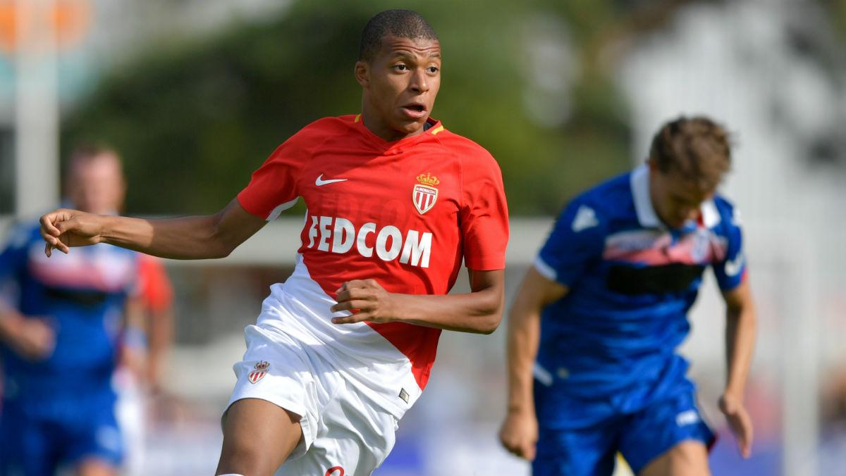 Mbappé juega el primer partido de pretemporada con el Mónaco. (AFP)