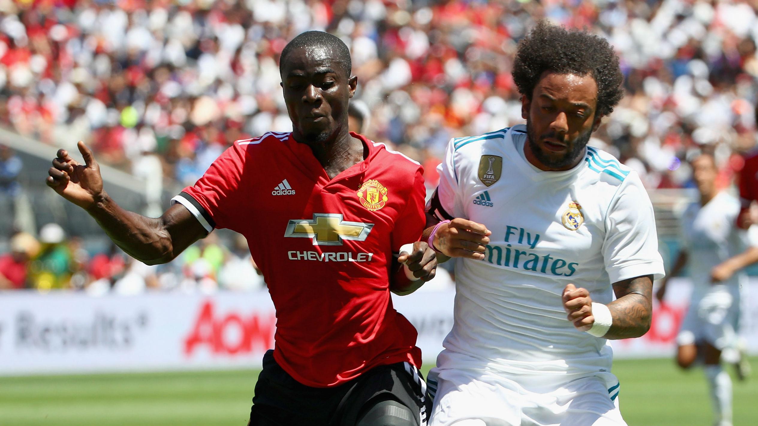 Bailly y Marcelo pelean por un esférico en Estados Unidos. (AFP)
