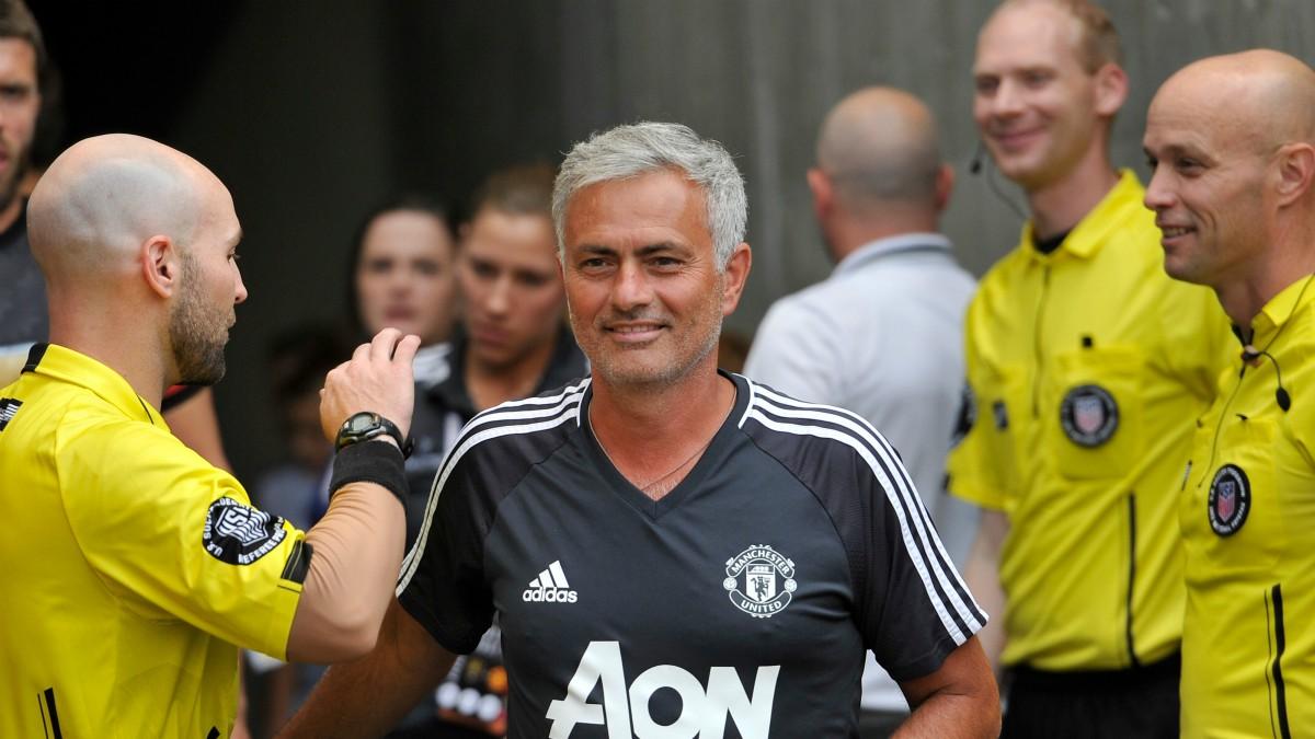 José Mourinho, en un entrenamiento del Manchester United. (AFP)