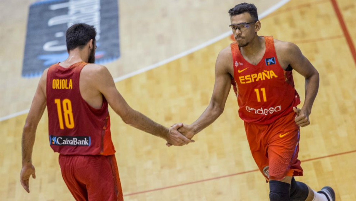 Sebas Sáiz, en un partido de la selección española. (FEB)