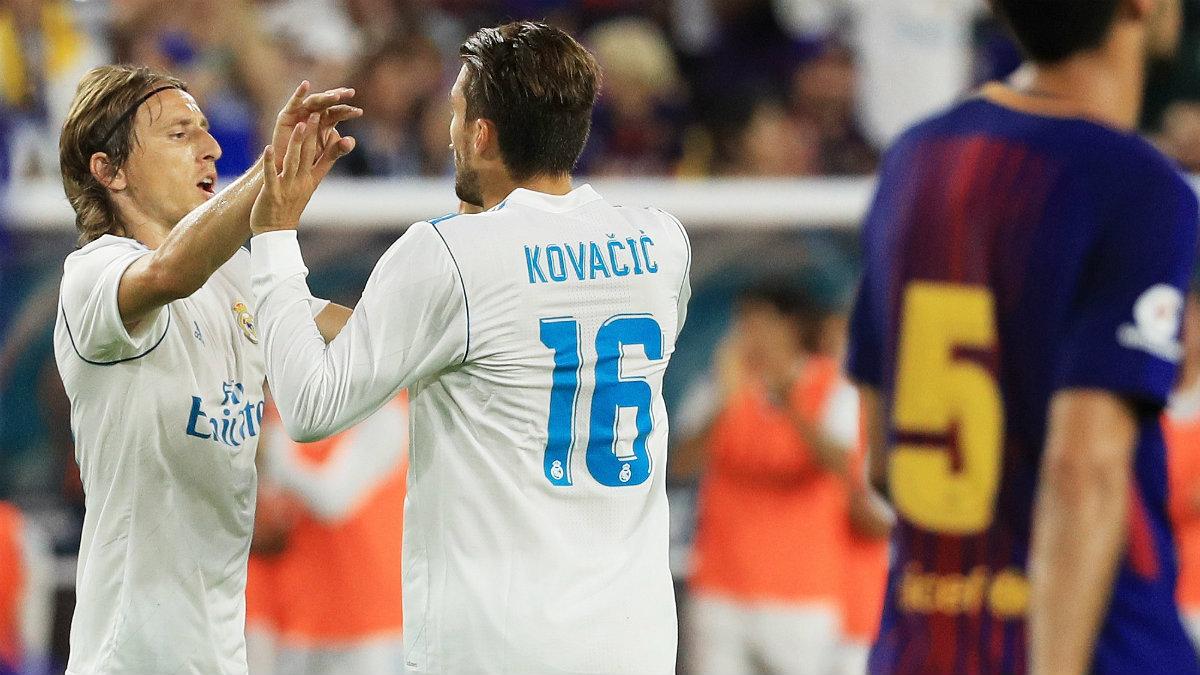 Kovacic y Modric celebra un gol ante el Barça. (Getty)