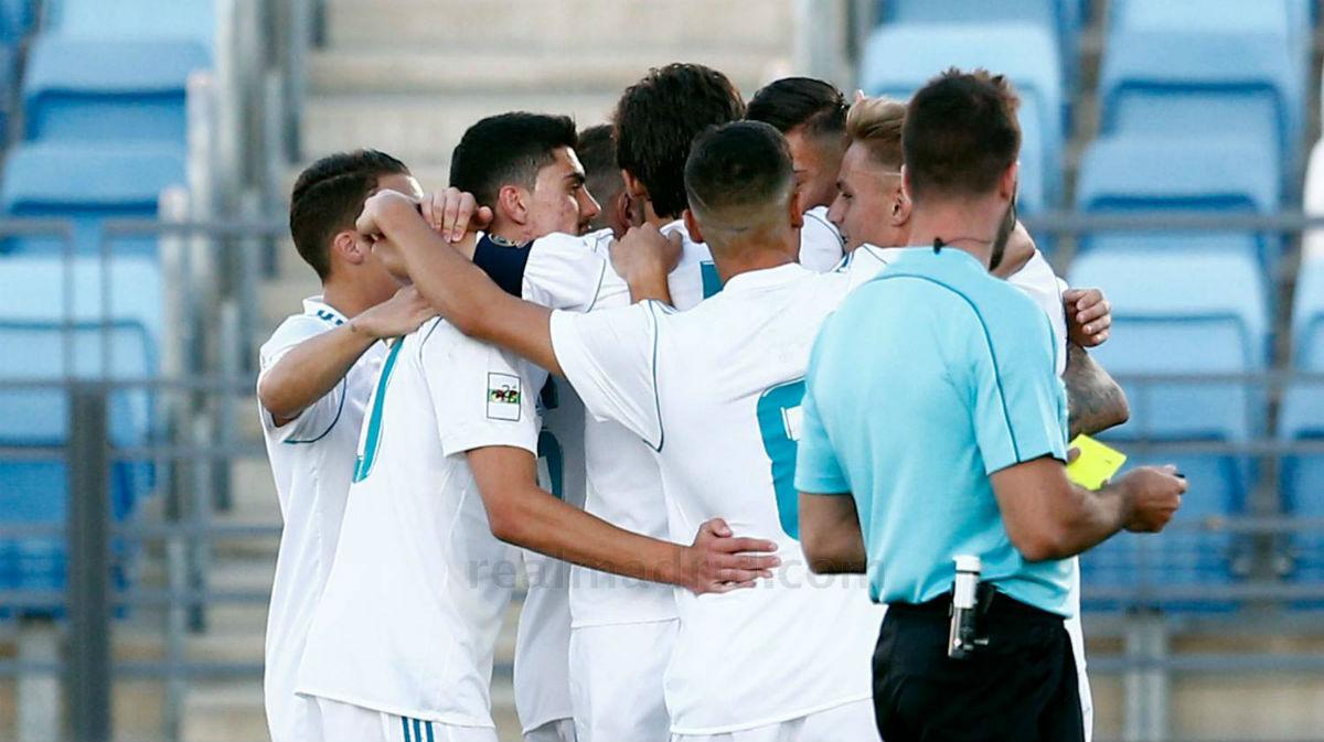 El Castilla celebra el primer gol ante el Valladolid B.